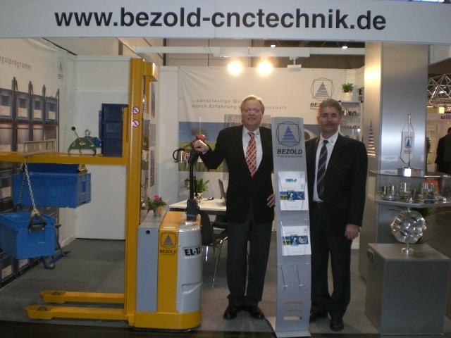 Mit Reinhard Bezold auf der Messe INTEC/Z 2009 in Leipzig.