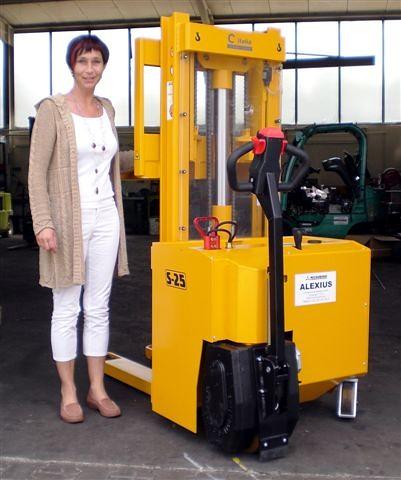CV-Spezialgerät S25 mit 2500kg-Tragkraft für ALEXIUS