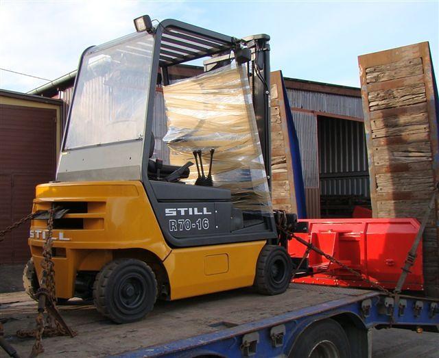 STILL R70-16 mit Schneeräumschild im Febr. 2011 in die Schweiz geliefert