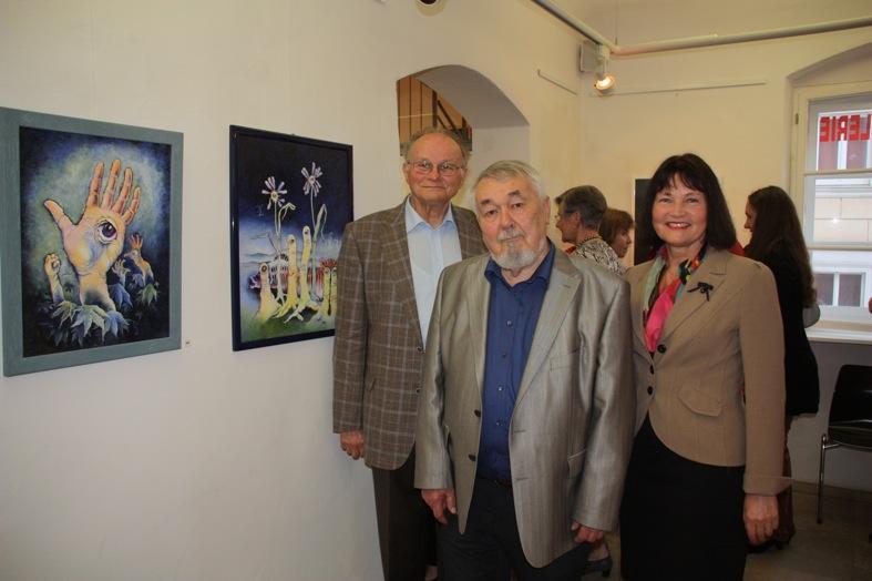 Laudator Dr. Herbert Bögl, Künstler Hans Brielmayer und KGV-Vorsitzende Erika Schwitulla (v.l.)