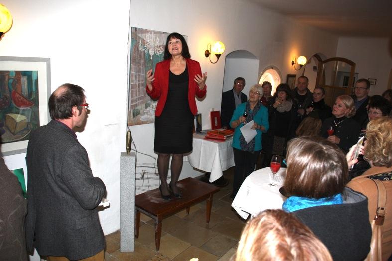 KGV-Vorsitzende Erika Schwitulla eröffnet den Abend -