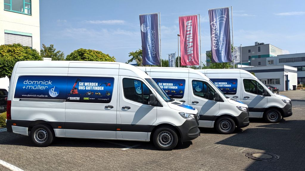 Drei neue Kundendienstfahrzeuge