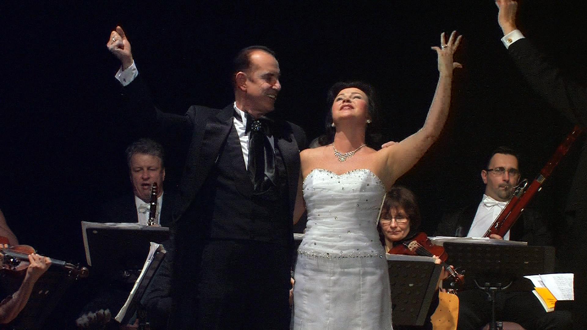 Sopranistin Katerina Beranova und  Tenor Claus Durstewitz.